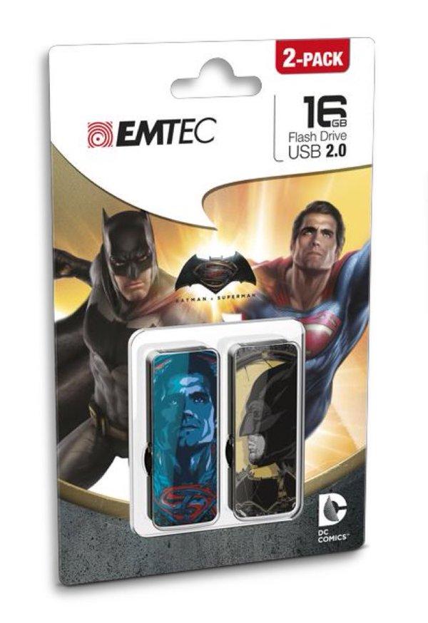 still_Batman-v-superman-duoUSB