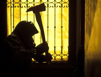 Film d 39 horreur archives le bleu du miroir critiques for Miroir film horreur