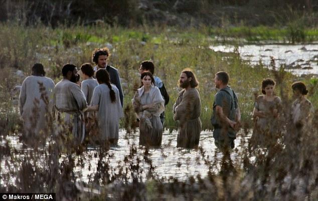 still_Joaquin-Phoenix-Rooney-Mara-mary-magdalene-jesus